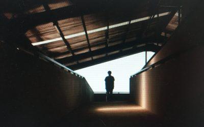 """Plötzlich der letzte Mensch auf der Welt: Hörspiel nach T. Glavinics """"Die Arbeit der Nacht"""""""